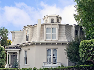 San francisco landmark 36 feusier octagon house for Octagon homes